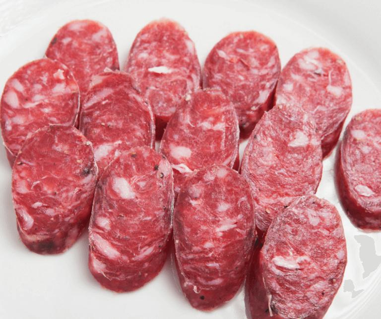 Salchichón curado, carne de Cerdo.